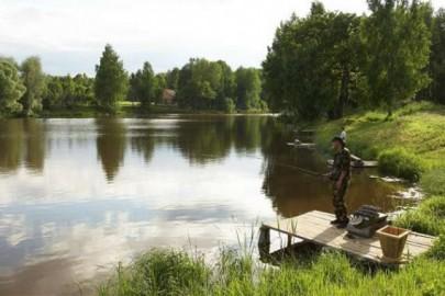 Про поведінку рибалки на водоймі